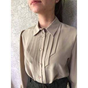 VINTAGE   pleated front blouse